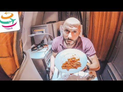 Dominik alleine in der Alitalia Business Class | GlobalTraveler.TV