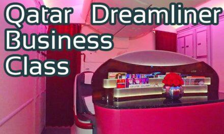 Qatar Airways Business Class Dreamliner Boeing 787-8