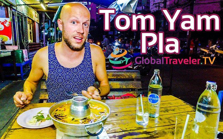 Tom Yam Pla ต้มยำ Thai Suppe mit Fisch Street Food