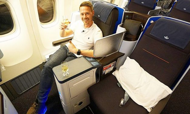 KLM neue World Business Class Boeing 777-200 JNB-AMS