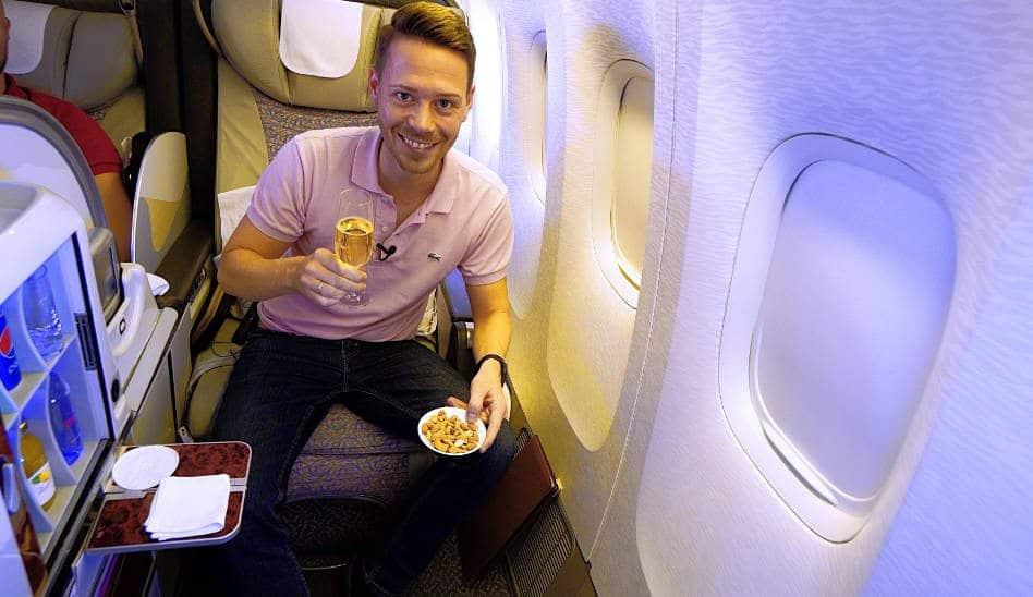 EMIRATES First Class Skycruiser Boeing 777