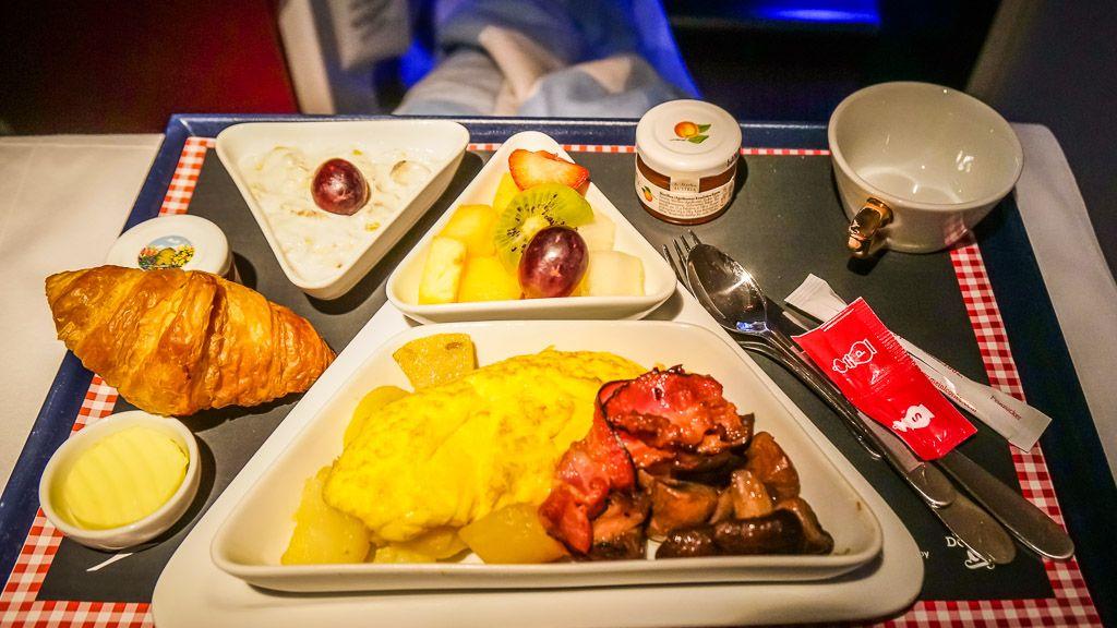 Austrian Airlines Frühstück Business Class