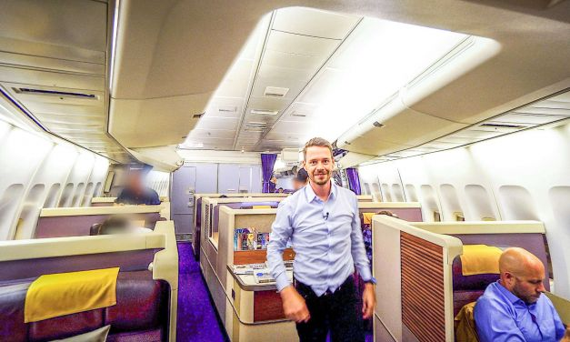 Thai Airways Royal First Class 747-400