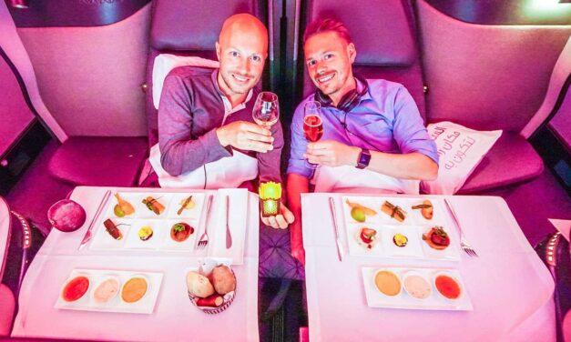 Qatar fliegt uns in der Qsuite nach Doha zur IATA Conference