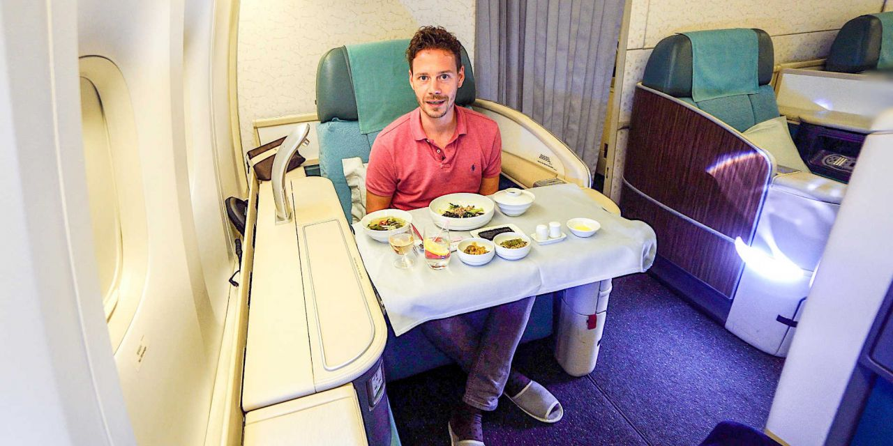 Korean Air First Class Boeing 777-300ER ICN-KUL