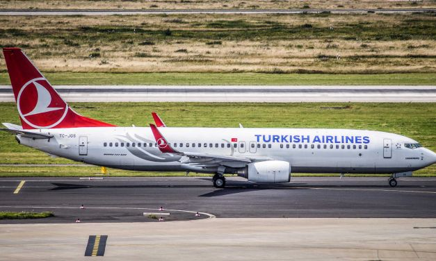 Turkish Airlines Economy Class Boeing 737 IST-HAJ