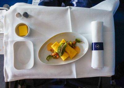 Lufthansa-Business-Class-A350-4