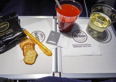 Lufthansa-Economy-Class-A350-6