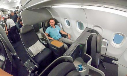 Nachts in der American Airlines A321T Business Class