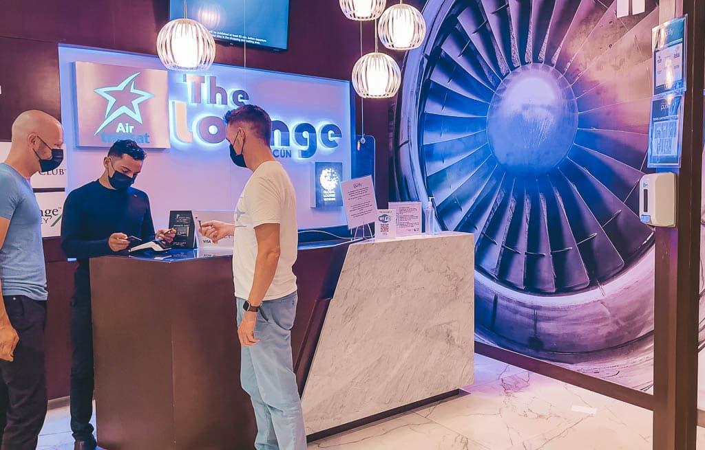The Lounge Cancun