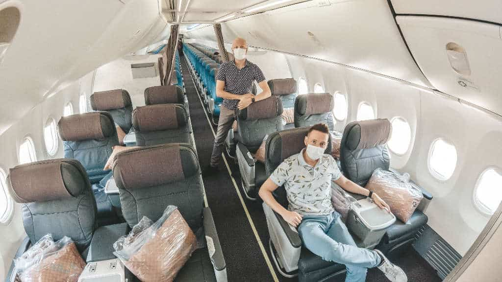 Singapore Airlines 737 Business Class